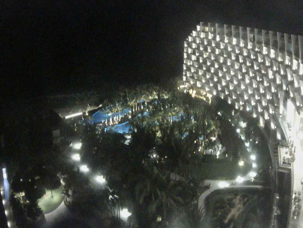 Click image above to start Grand Velas Los Cabos Webcam